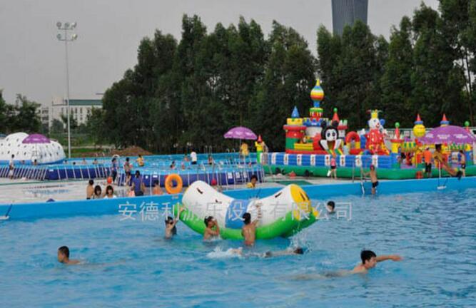 移动水上乐园实景
